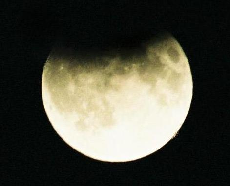 Galeria: Częściowe Zaćmienie Księżyca 7.09.2006