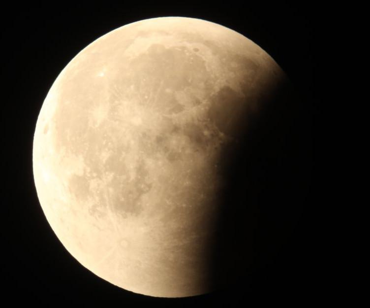 Galeria: Całkowite zaćmienie Księżyca 27.07.2018