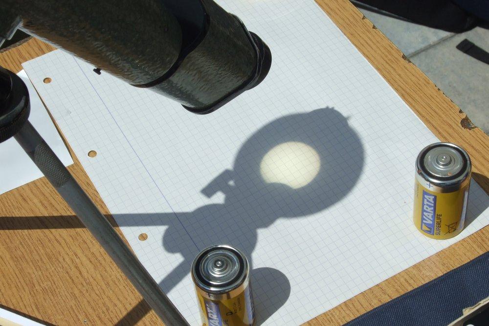 Galeria: Częściowe zaćmienie Słońca w I LO
