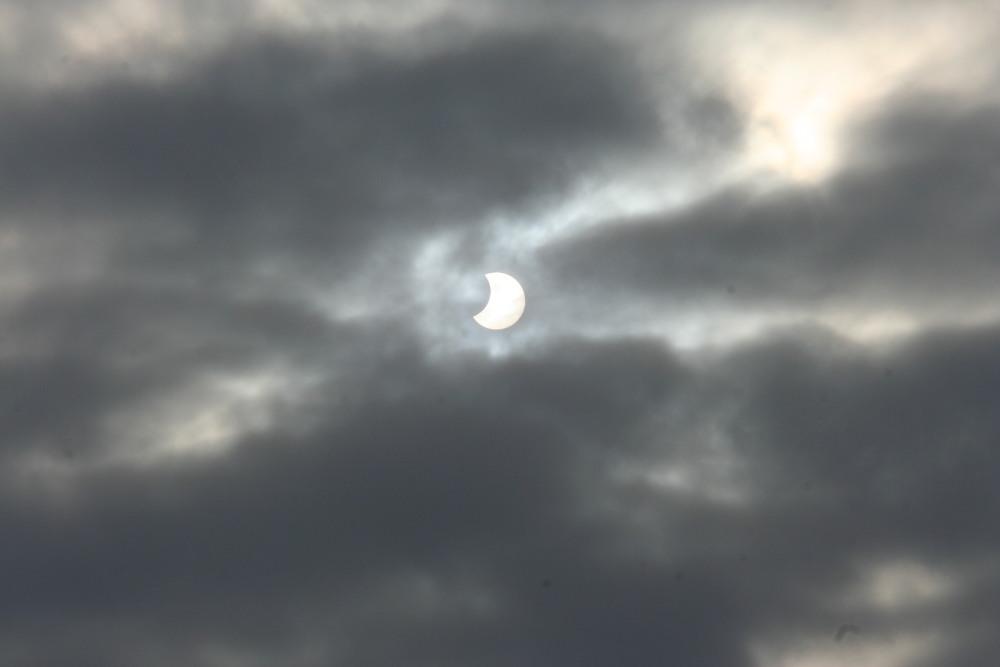 Galeria: Częściowe Zaćmienie Słońca 4.01.2011